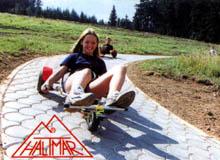 Ukázka horských motokár.