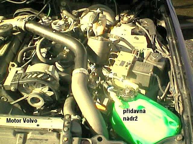 engine-volvo.JPG (64482 bytes)